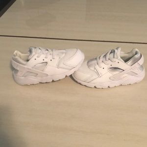 Huaraches size 10 Toddler